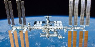 SpaceX is delivering a lethal superbug to the ISS (it's OK, the astronauts know about it)