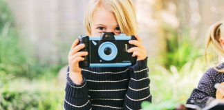 Pixlplay finds a use for your old smartphone as a toy camera for kids