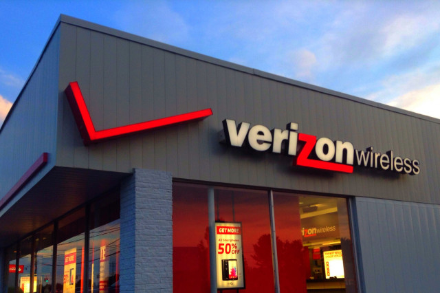 Drop your phone? Verizon offers same-day, on-site screen repair in select cities
