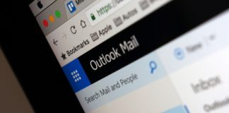 Microsoft's Outlook.com subscription is officially available