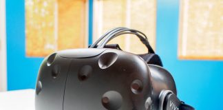 HTC will launch a mobile version of the Vive this year