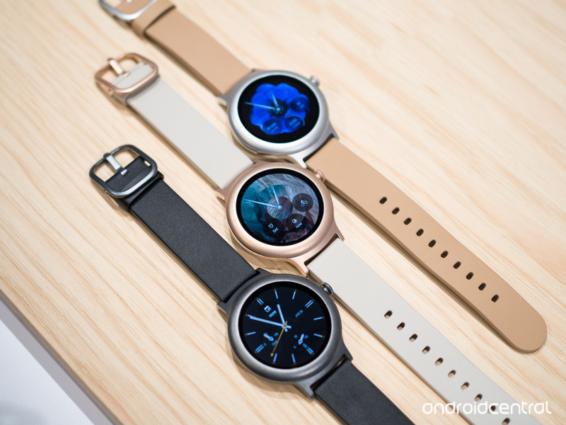 lg-watch-style-3-colors-screens-on.jpg?i