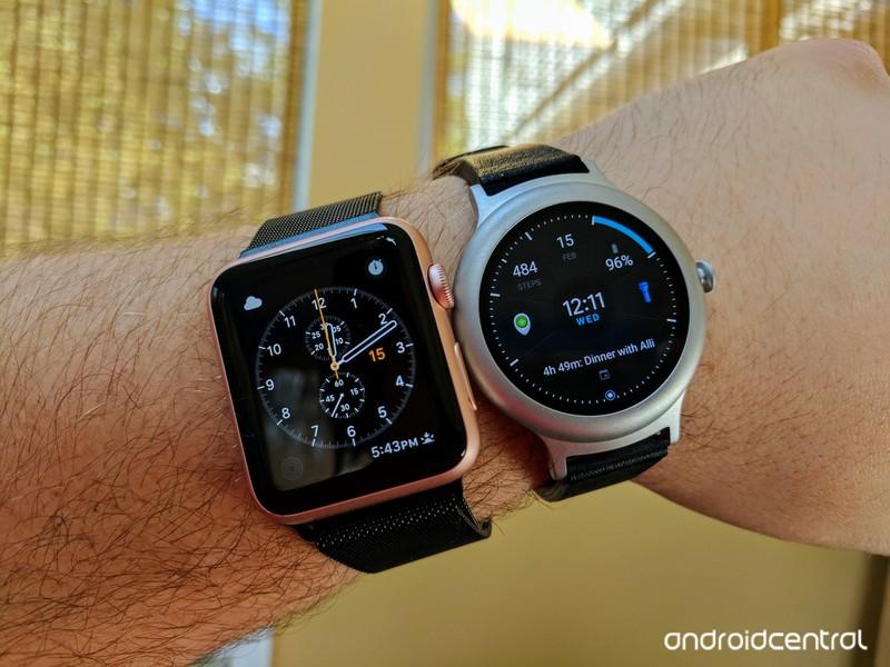 lg-watch-apple-watch.jpg?itok=Kc1tX7ll