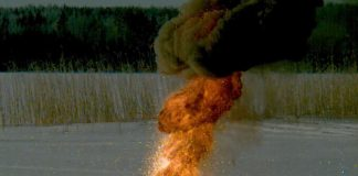 Fire versus ice: Video shows what happens when thermite meets a frozen lake