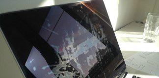 Apple extends program to fix damaged displays on 12-inch Retina MacBooks