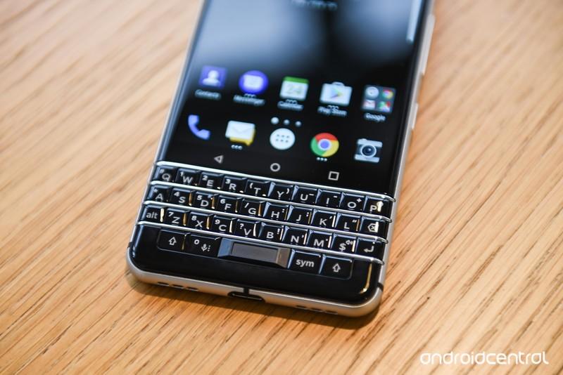 blackberry-key-one-2.jpg?itok=Ztd9q2Y1