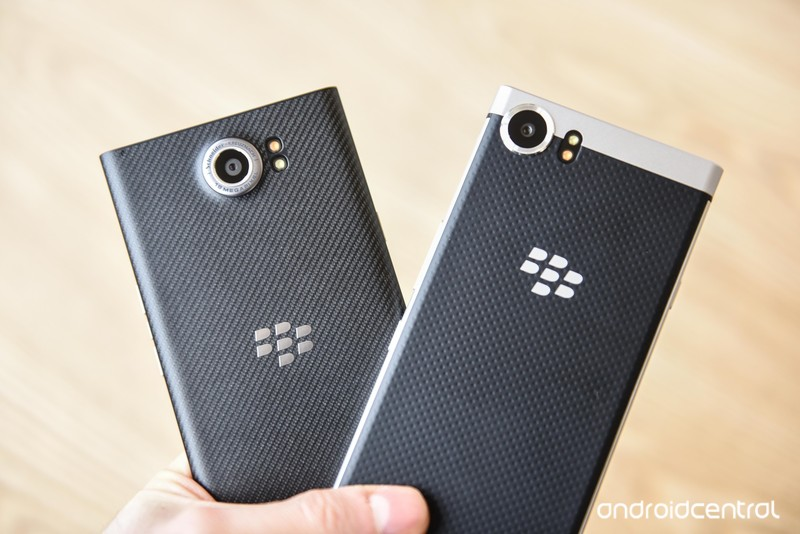 blackberry-key-one-16.jpg?itok=0Rz2aZwP