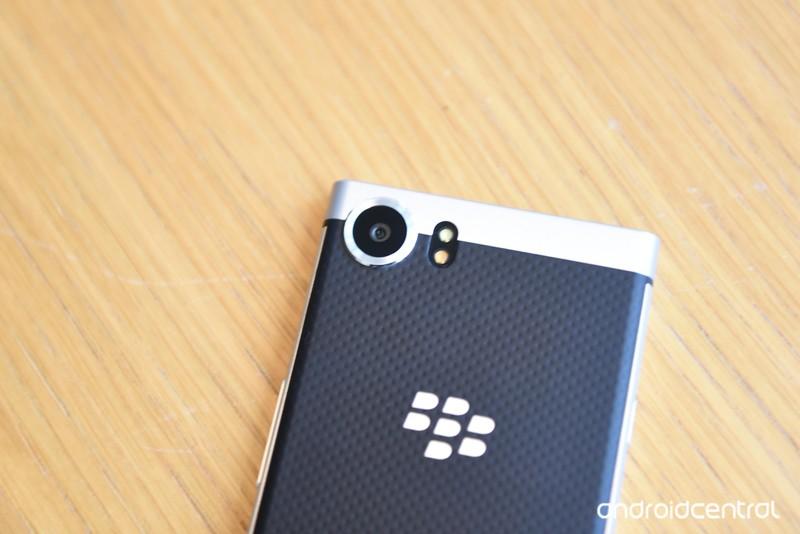 blackberry-key-one-6.jpg?itok=6l52-nNI