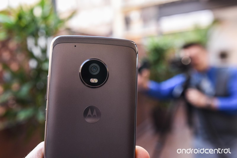 moto-g5-hands-on-13.jpg?itok=-yGXoGvy