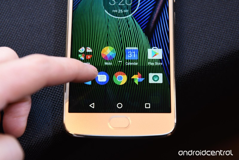 moto-g5-hands-on-2.jpg?itok=BVEjB2ss