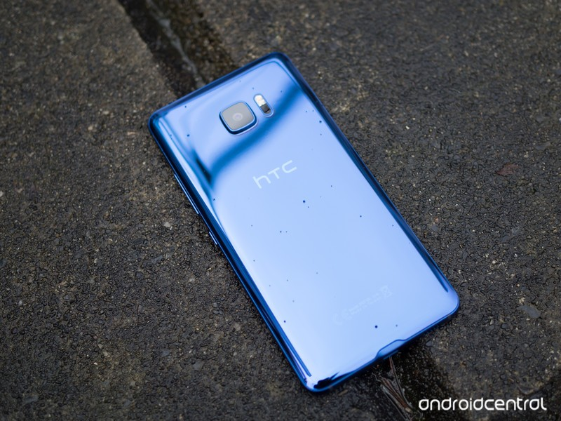 htc-u-ultra-back-water-drops.jpg?itok=Iy