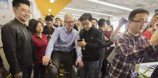 Tim Cook Hails China Investment, Says Apple 'Here to Stay'