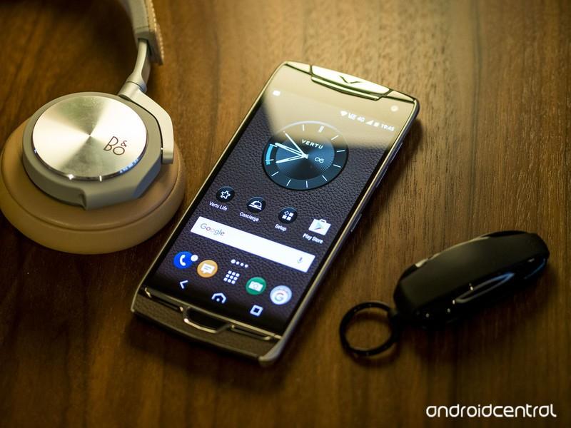 vertu-constellation-headphones-hero.jpg?