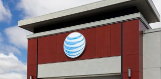 AT&T acquires wireless spectrum company Straight Path for $1.6 billion