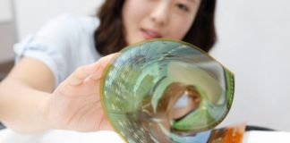 Graphene breakthrough paves the way for flexible OLED screens on clothes, wearables