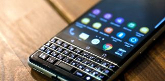 BlackBerry made more cash from royalties than phones