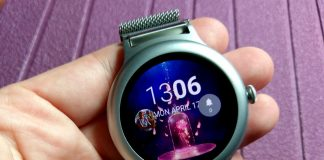Android Wear 2.0 Complications are great. It's a shame we can't use them