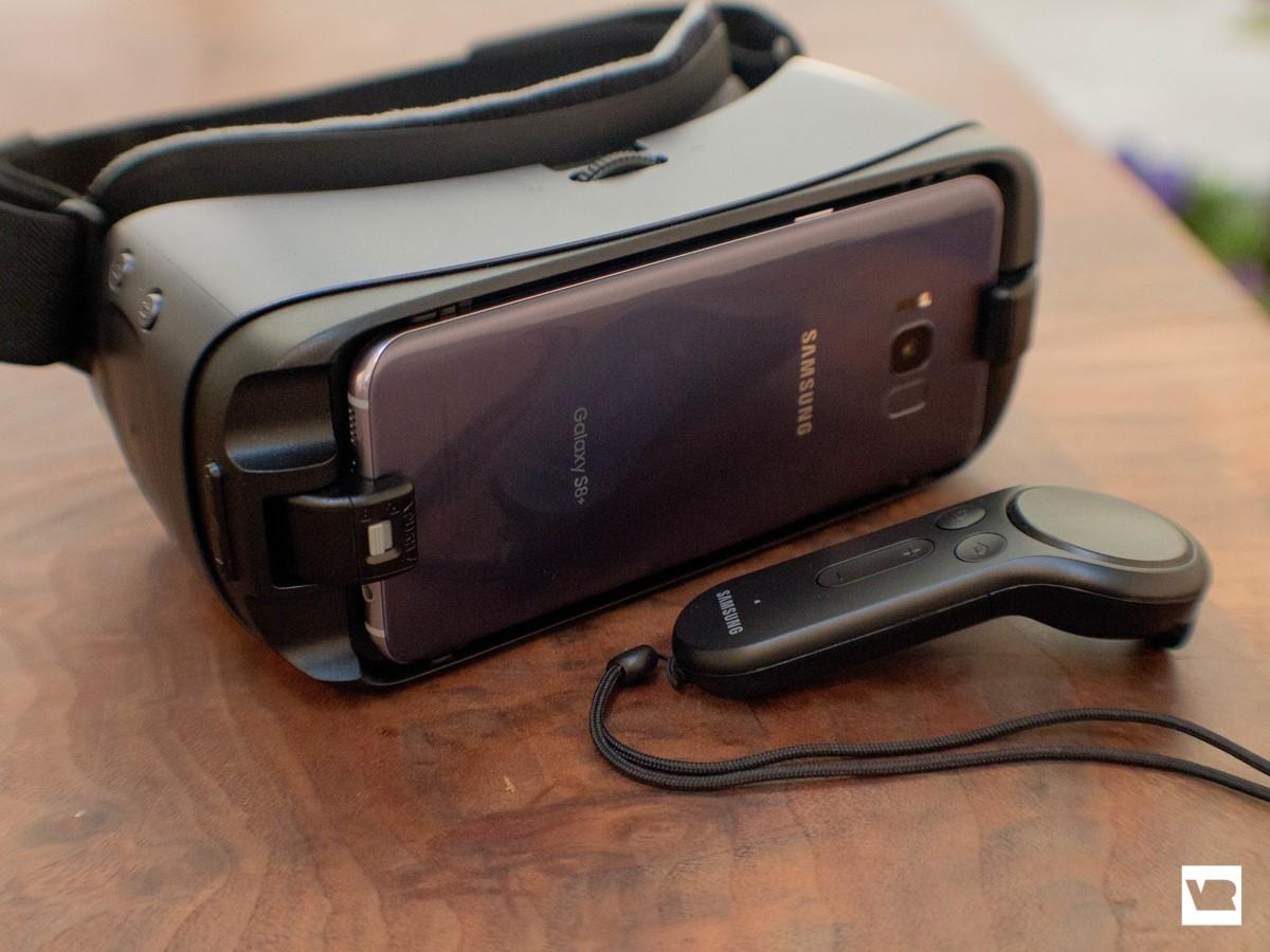 46187fb8c0f Samsung Gear VR (2017) vs. Gear VR (2016)  What s different