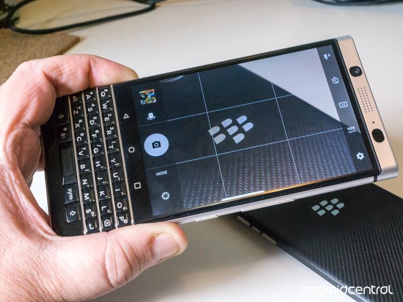 blackberry-keyone-11.jpg?itok=WP860XSX