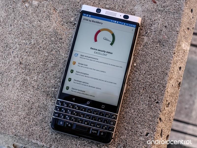 blackberry-keyone-review-37.jpg?itok=Egg