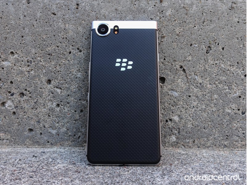 blackberry-keyone-review-41.jpg?itok=O4f