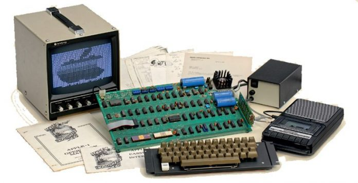 Rare Apple-1 Computer Sells at German Auction for $130,000