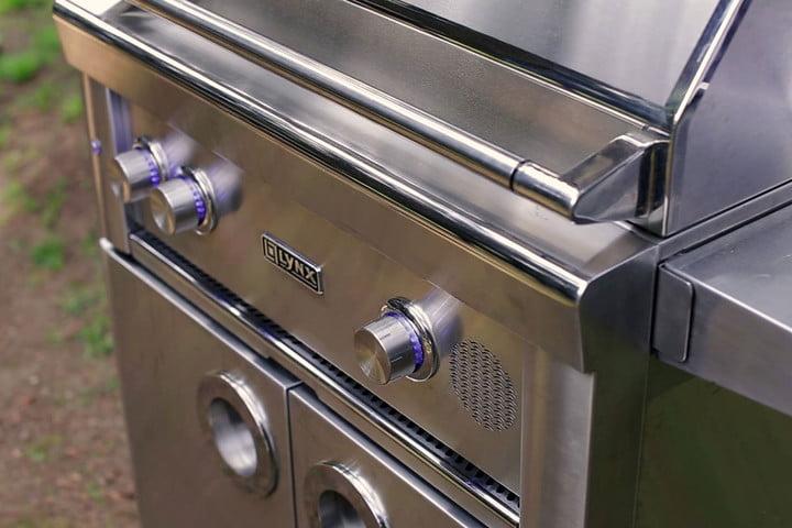 _Lynx-Grills-SMART30F-—-30'-Freestanding-SmartGrill_