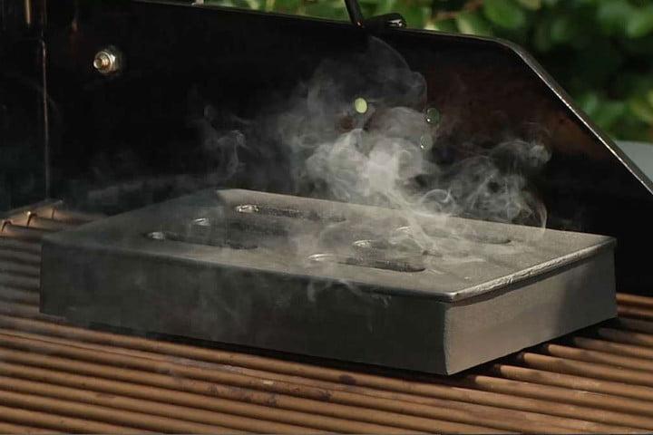Onward-GrillPro-00150-—-Cast-iron-smoker-box