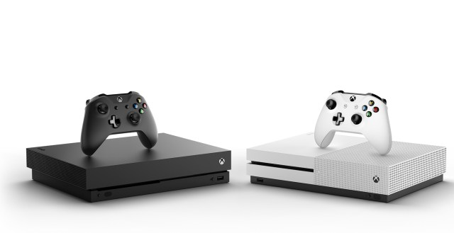 640-Xbox+One+X_Console+Controller_Hrz_Fa