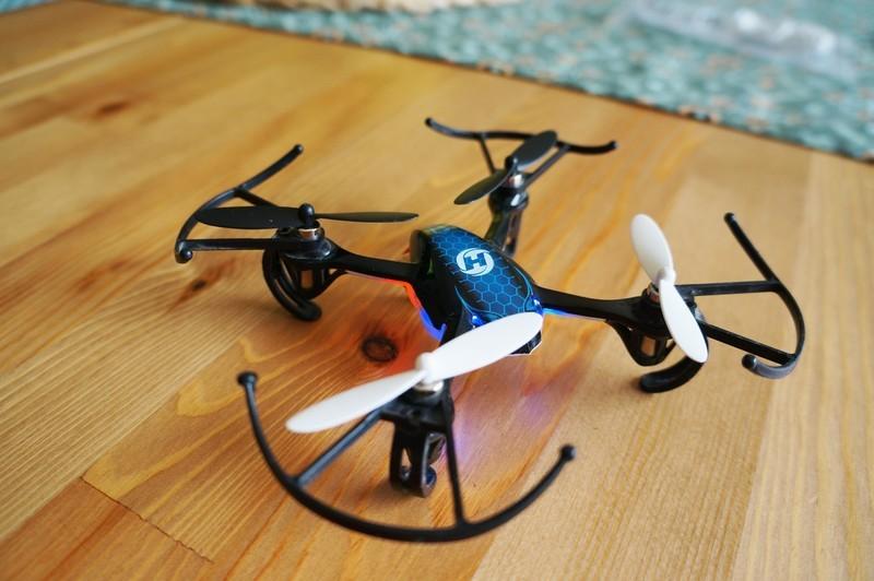 drones-under-50-hero.jpg?itok=RyYwSXg_