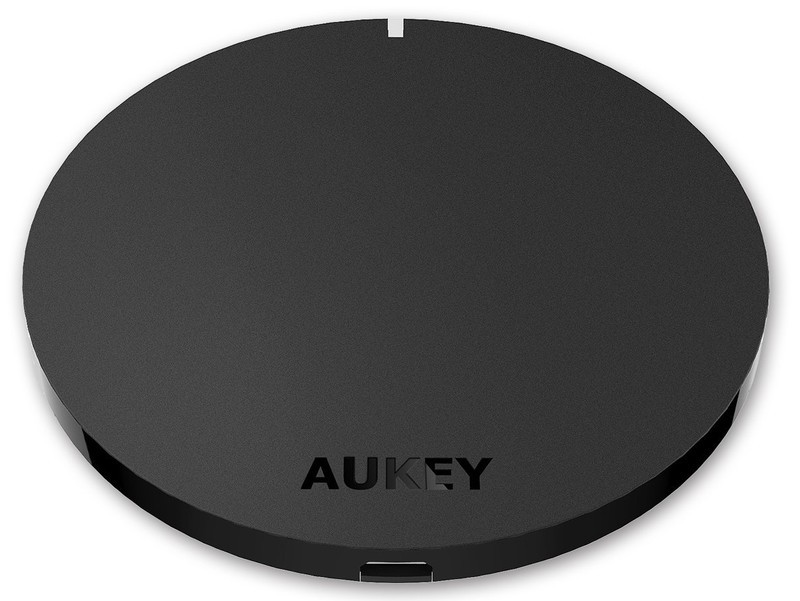 aukey-wireless-charging-pad-press.jpg?it