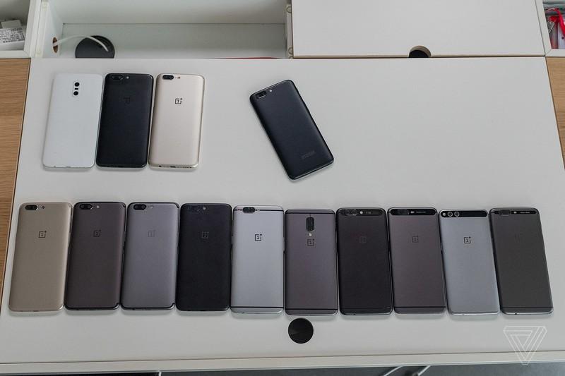 oneplus5-prototypes.jpg?itok=hNQw7yQi