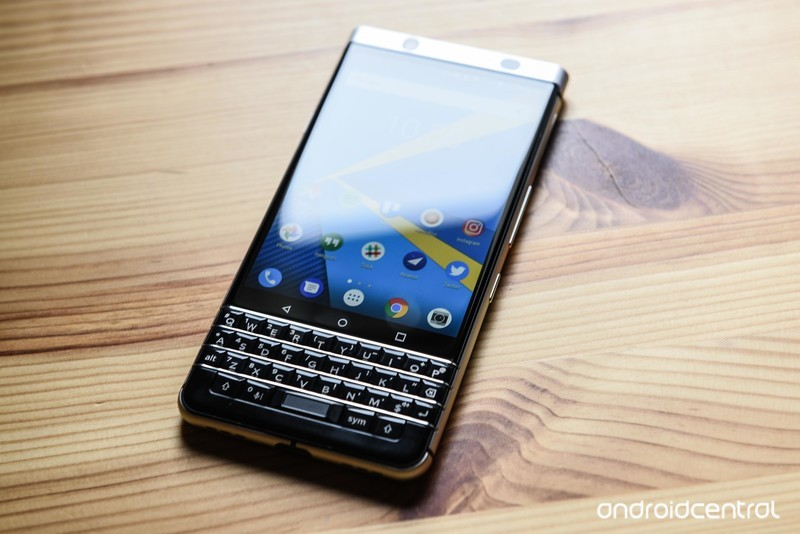 blackberry-keyone-review-24.jpg?itok=GBE