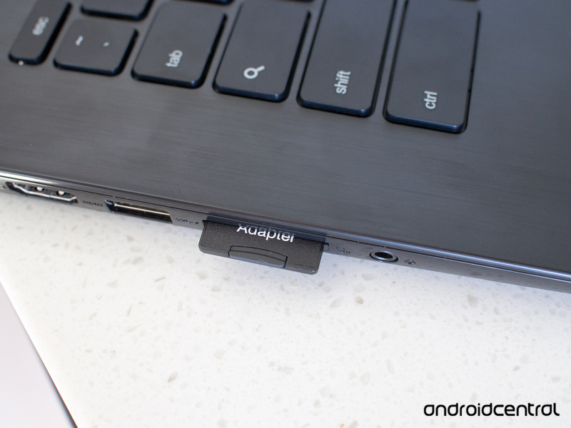 ASUS-Chromebook-SD-Card.jpg?itok=Iakpuwe