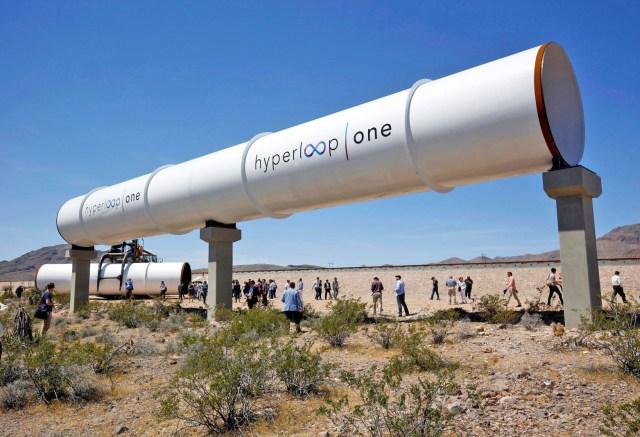 hyperloopdims_640.jpg