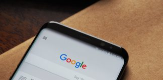 Google's mobile search app now has a personalized news feed