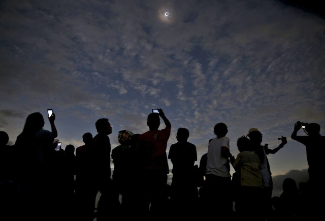 eclipsedims_640.jpg