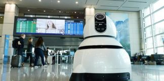 LG debuts its friendly robots to help you find your way around Seoul's airport