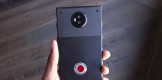 RED's $1,200 holographic phone features snap-on camera accessories