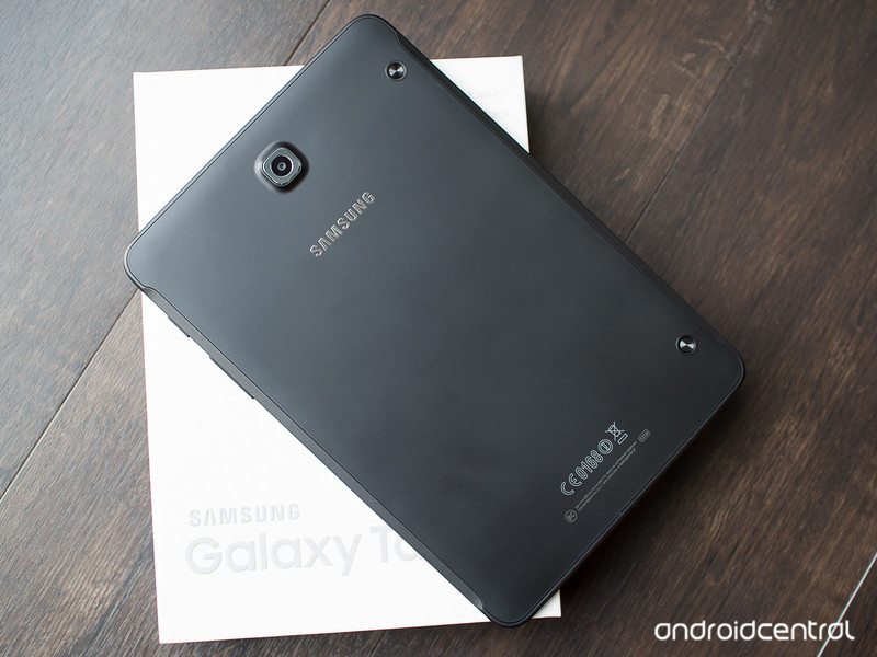 galaxy-tab-s2-8-back-box.jpg?itok=F79q9x