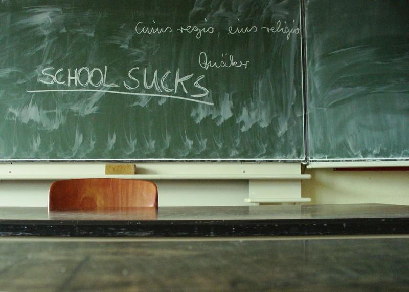 school_sucks_by_liese_lotta.jpg?itok=Wiw