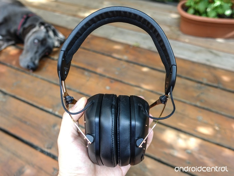 v-moda-crossfade-2-wireless-8.jpg?itok=z