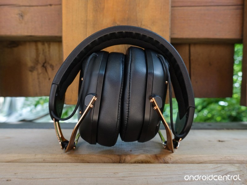 v-moda-crossfade-2-wireless-1.jpg?itok=F