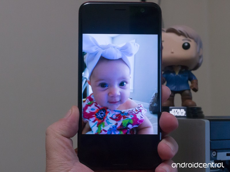 pixel-photos-baby.jpg?itok=oGE7U-WI