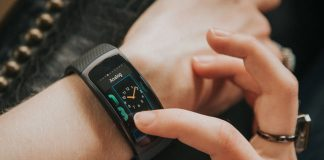 Swim support and Spotify streaming rumored for Samsung's Gear Fit 2 Pro