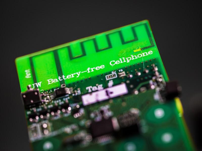 battery-free-cellphone-close.jpg?itok=vl