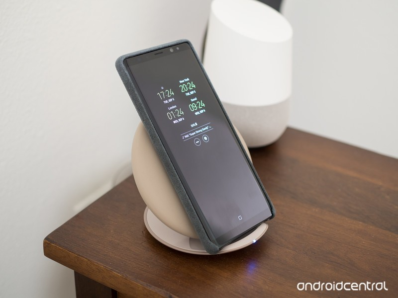 galaxy-note-8-wireless-charger.jpg?itok=