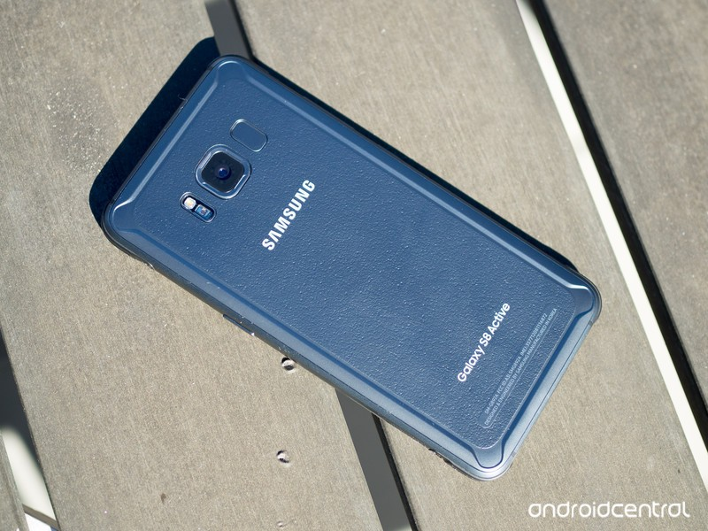 galaxy-s8-active-on-table.jpg?itok=bWhom