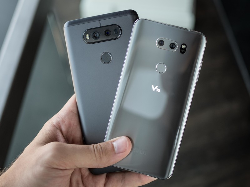 lg-v30-hands-on-23.jpg?itok=9RyHRjTX