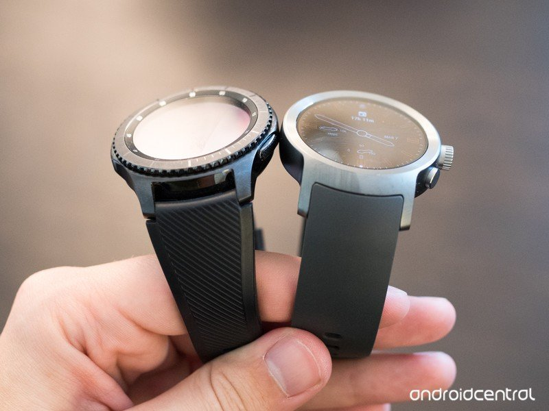 lg-watch-sport-vs-gear-s3-2.jpg?itok=EEL